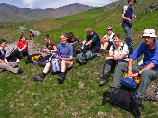 Thirteen Oxonians on a mountainside