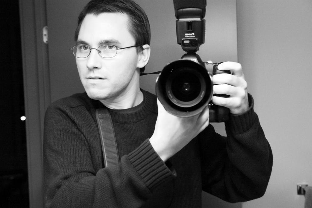 Milan Ilnyckyj in Modo frames