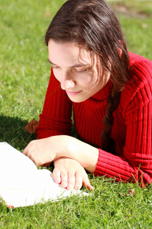 Clara Steinhagen reading in the Massey College quad